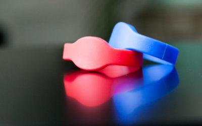 En vacances ou en festivals, la folie des bracelets à tout faire, dans LeParisien